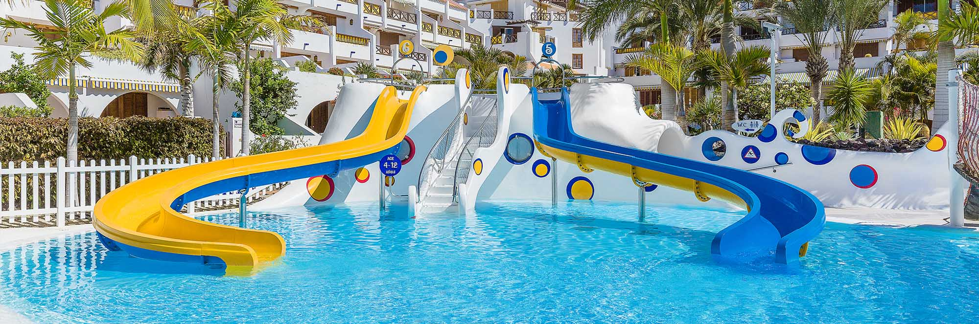 sm-parque-santiago-3-villas-slider-pool